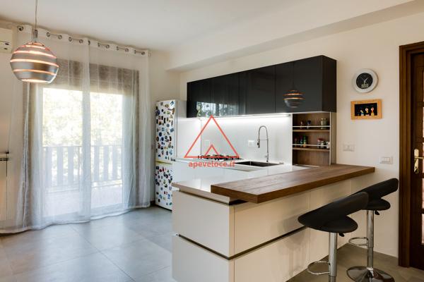 Foto soggiorno con angolo cottura di 676966 for Soggiorno angolo cottura
