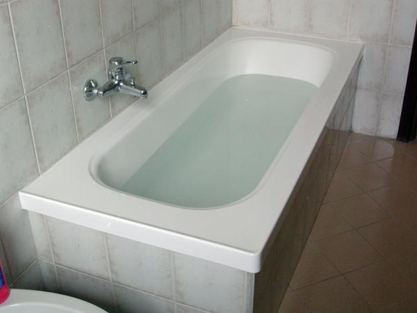 Rifacimento Vasche Da Bagno Brescia : Progetto di sovrapposizione vasca da bagno idee ristrutturazione bagni