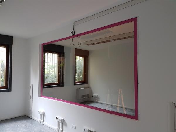 Foto specchio unidirezionale per sala focus di aad - Pellicola specchio unidirezionale ...