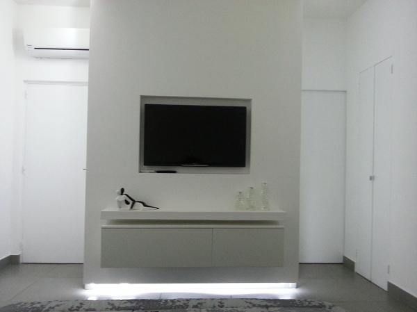 Foto struttura in cartongesso con tv e mobile incassati - Pareti porta tv in cartongesso ...