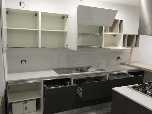 Foto: Studio e Progettazione Spazi della Cucina di Renova ...