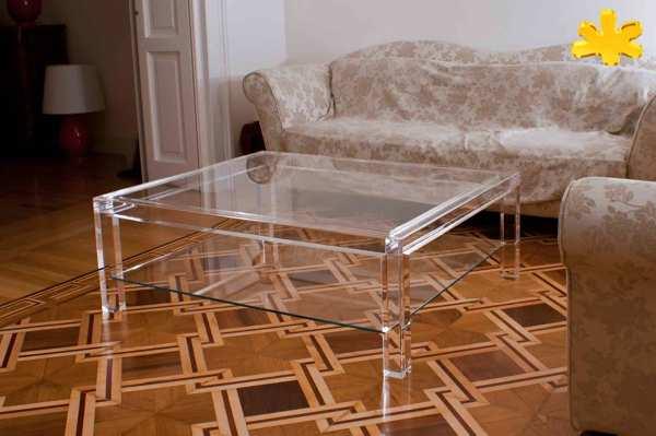 Tavolo Da Salotto In Plexiglass.Foto Tavolino Da Salotto Con Ripiano In Plexiglass Di