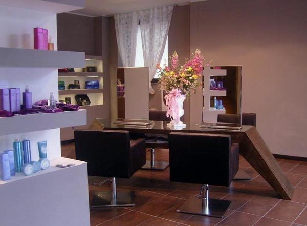 Foto tavolo da lavoro per parrucchiere di caspardesign for Arredamento lavoro