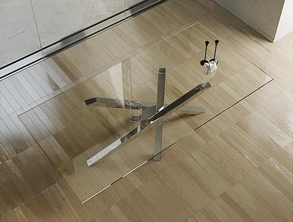 Gambe Acciaio Inox Per Tavoli.Foto Tavolo Gambe In Acciaio Inox Piano In Vetro Di Rimoldi