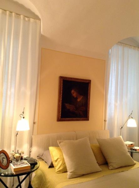Foto houles paris per le tende della camera da letto dove la raffinatezza del tessuto teti for Tende da camera da letto immagini