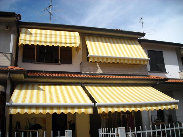 Tende Da Sole Cagliari.Progetto Installazione Tende Da Sole Con Cassonetto A Scomparsa Totale E Capottina Idee Tende Da Sole