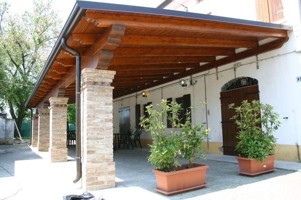 Foto tettoia in legno lamellare di multiservice 416046 for Arredamento etnico cagliari