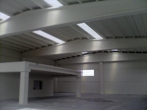 Foto tinteggiatura interna capannone a maniago pn di de faveri luca 102864 habitissimo - Tinteggiatura interna ...