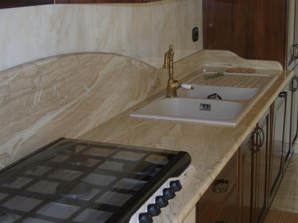 Foto top cucina in daino di mastrogiacomo marmi srl 386223 habitissimo - Top cucina in granito ...