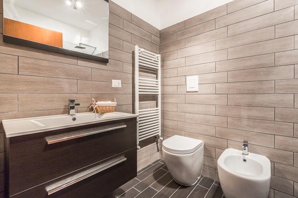 Foto un secondo bagno per la zona notte di facile - Ristrutturare un bagno ...