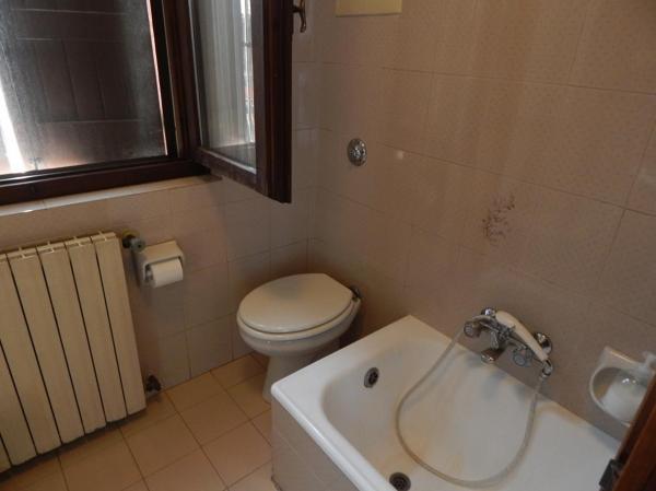 Foto vecchia posizione sanitari di ristruttura di scotti - Posizione sanitari bagno ...