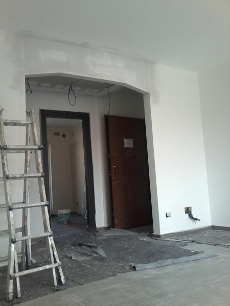 Foto voltino sagomato via d 39 accesso sala entrata for Decorazione entrata casa