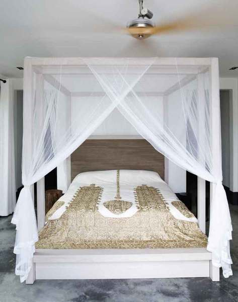 Foto zanzariera nella camera da letto di valeria del treste 327295 habitissimo - Zanzariera letto ...