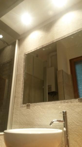Foto Zona Lavabo Specchio Incassato E Faretti Di Edilizia In Del Geometra Ingravalle Pasquale 265847 Habitissimo