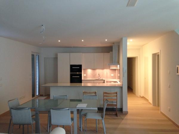Foto: Zona Soggiorno e Cucina De Studio Di Ingegneria Del Legno #334339 - Hab...