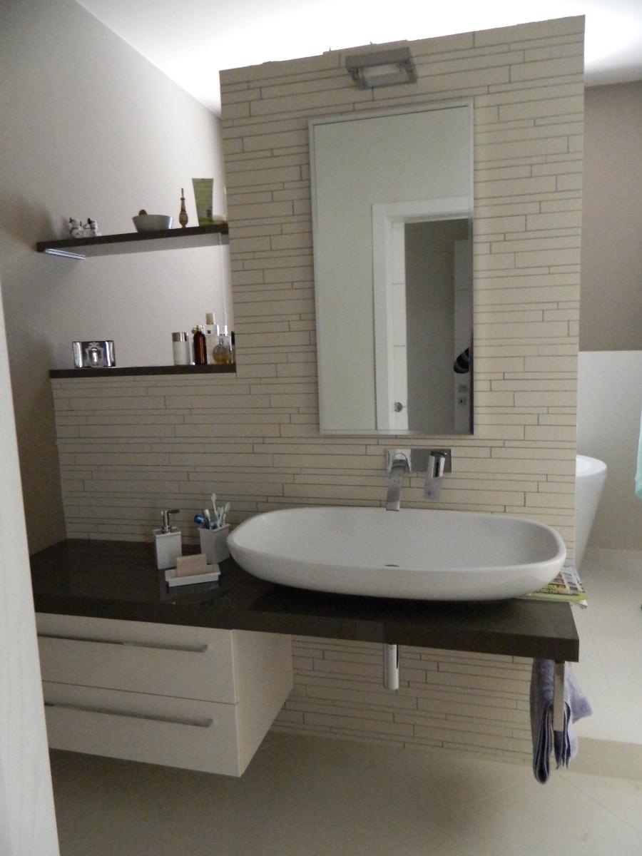 Progetto ristrutturazoione casa plinio idee for Grandi bagni padronali