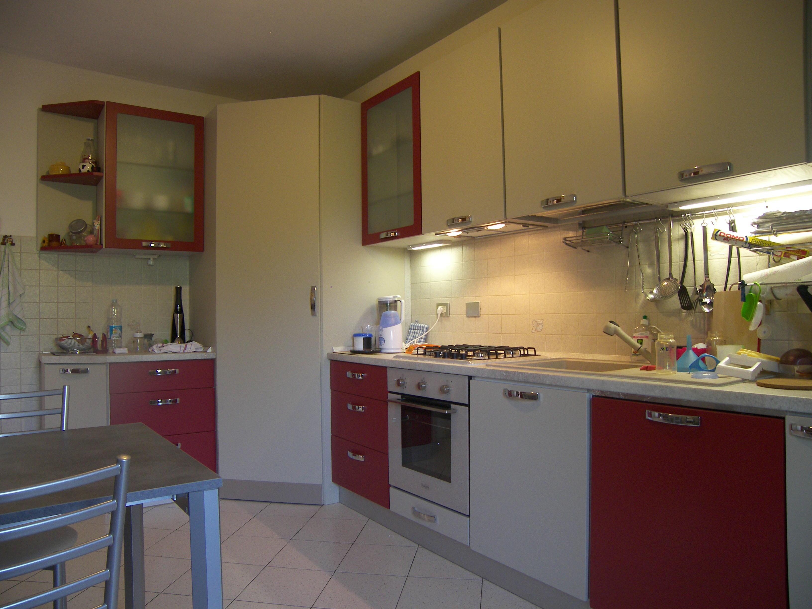 mobile dispensa angolare : Progetto Cucina Angolare su Misura a Buccinasco (mi) Idee Armadi