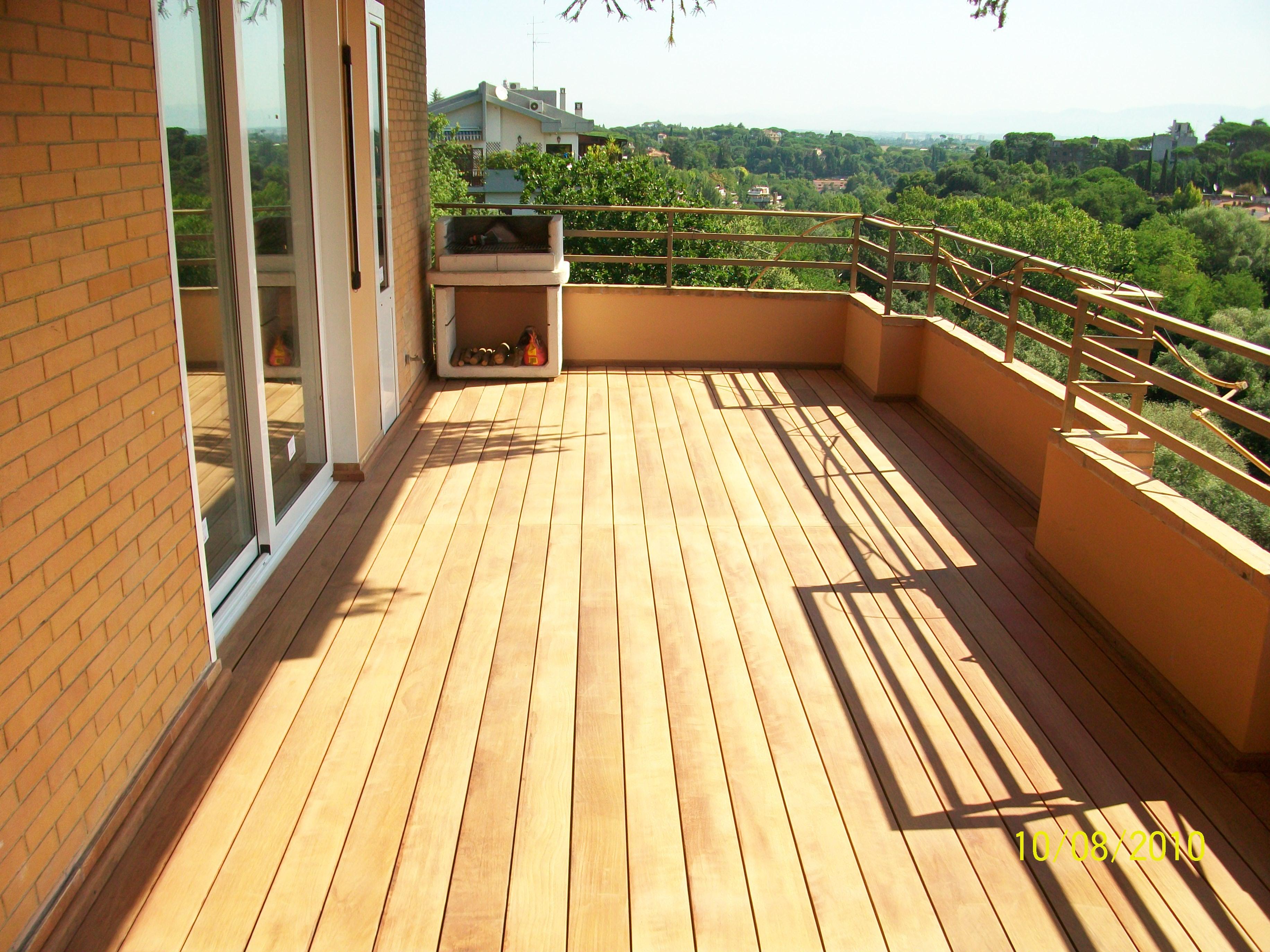 Progetto realizzazione pavimentazione in legno per balcone - Pavimentazione giardino in legno ...