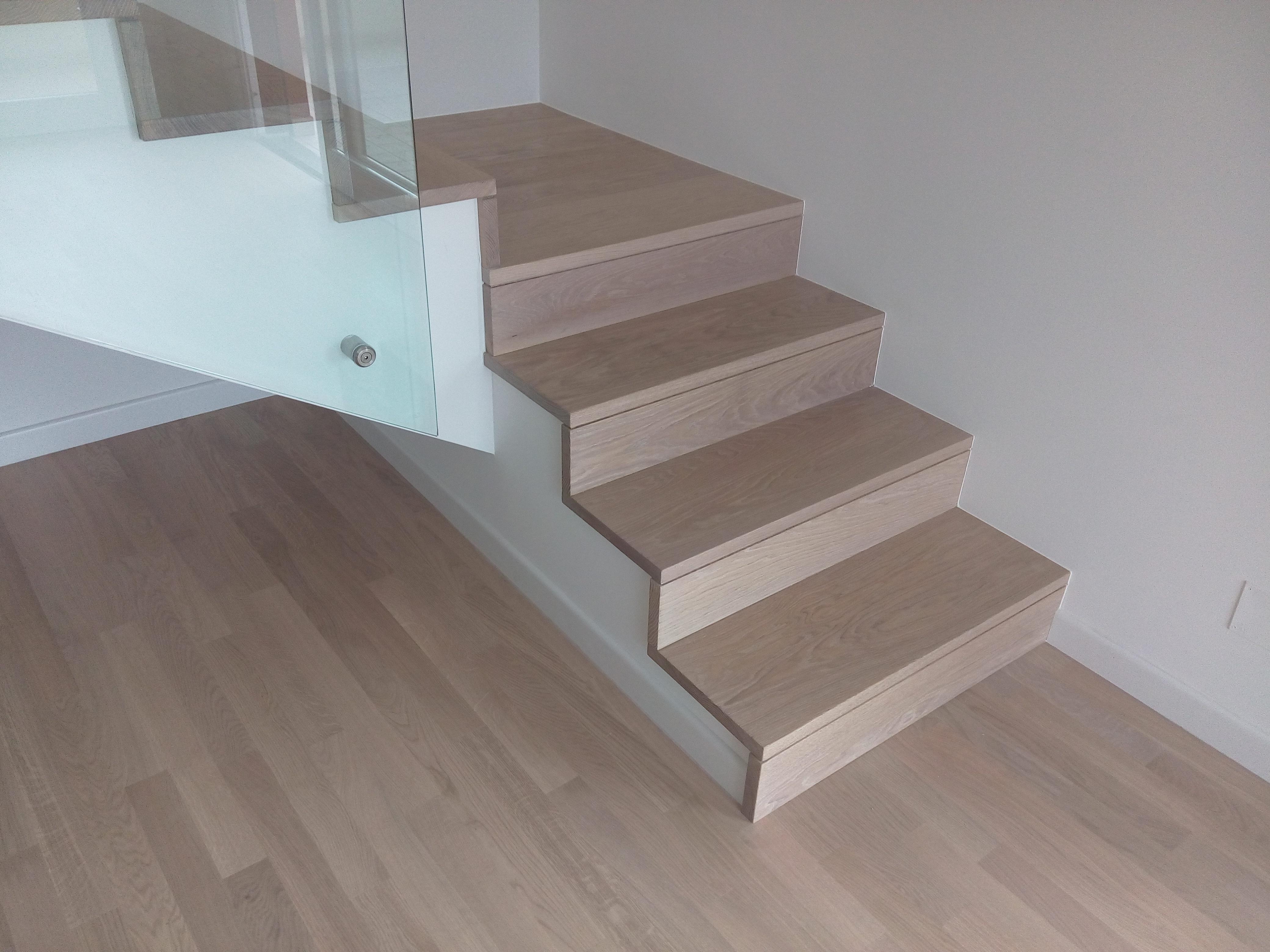 Come rivestire una scala in legno excellent gradino costa for Rivestire una scala in legno