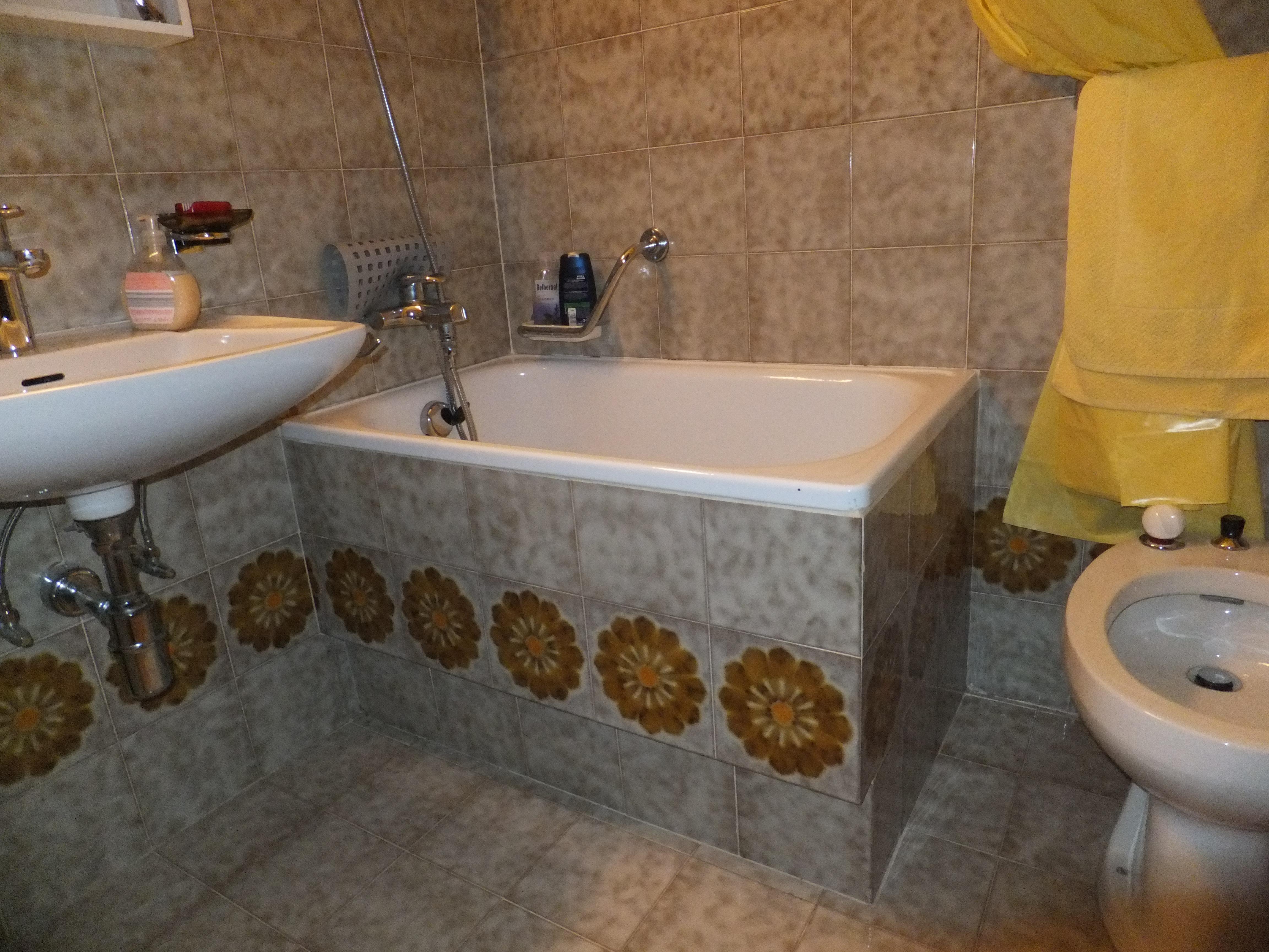 Progetto Trasformazione Vasca da Bagno a Sedere In Piatto Doccia con Box  Progetti ...
