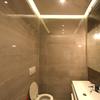 Scartavetrare e ridipingere soffitto 2 bagni