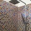 bagno in mosaico in vetro