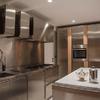Cucina in acciaio di design dello studio