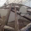 Il vecchio tetto in legno massello.