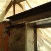 Fase lavori di posa trave in ferro per voltino portafinestra