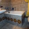 Togliere la vecchia vasca da bagno sostituendola con la doccia