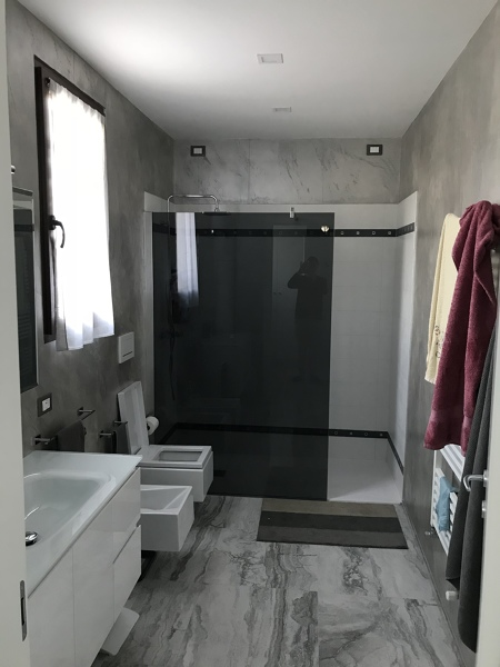 https://it.habcdn.com/photos/qna/answers/medium/costo-bagno-completo-615979.jpg