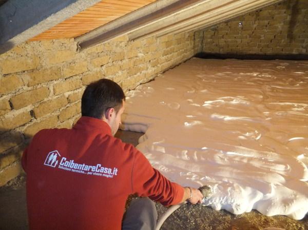 Quale il miglior materiale per isolare il soffitto dal - Isolare il tetto dall interno ...