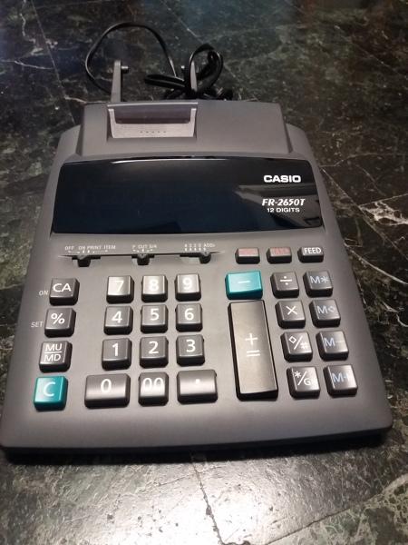 Calcolatrice con Rullino Funziona su una spina e l'altra no
