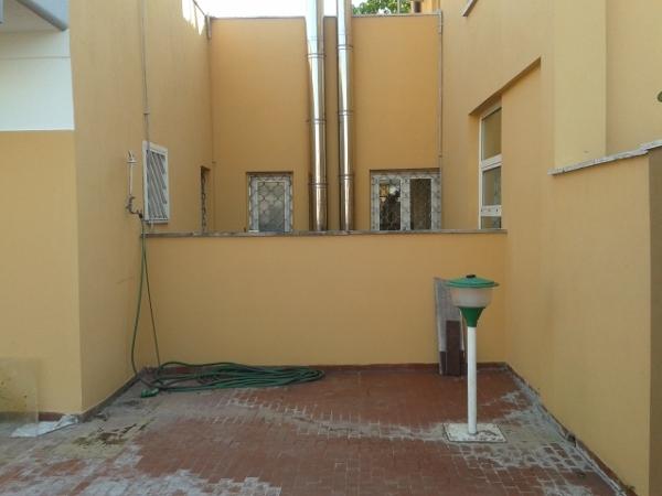 Posso utilizzare una rientranza sul terrazzo per farne un'area di servizi?