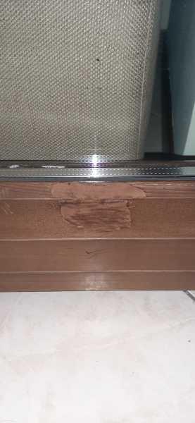 Come restaurare una piccola porzione finestra in legno?