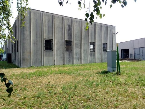 Quanto costa rivestire esternamente solo pareti un capannone industriale?