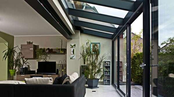 Come si collega una terrazza al sottotetto con queste for Case con vetrate