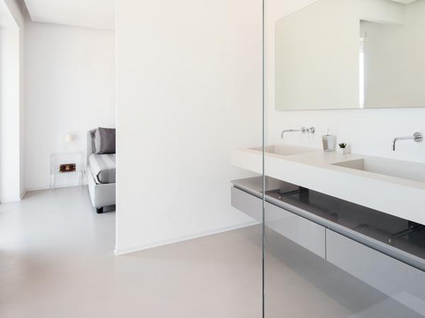 Quanto costa un pavimento in ceramica continua habitissimo - Resina piastrelle bagno ...
