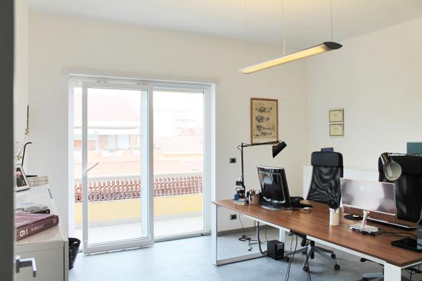 Scrivanie Ufficio Negozio : Preventivo mobili ufficio o negozio online habitissimo