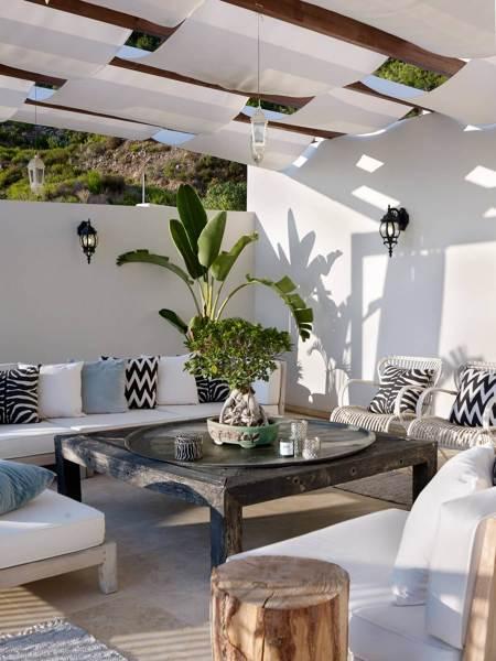 Esiste un sistema di tende per coprire un terrazzo di un condominio ...