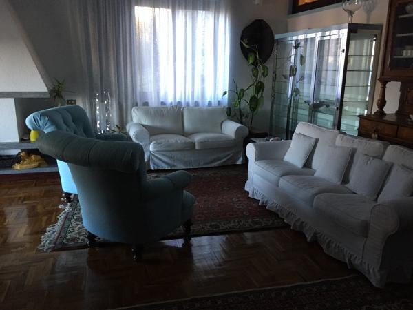 Quanto costa foderare un divano?