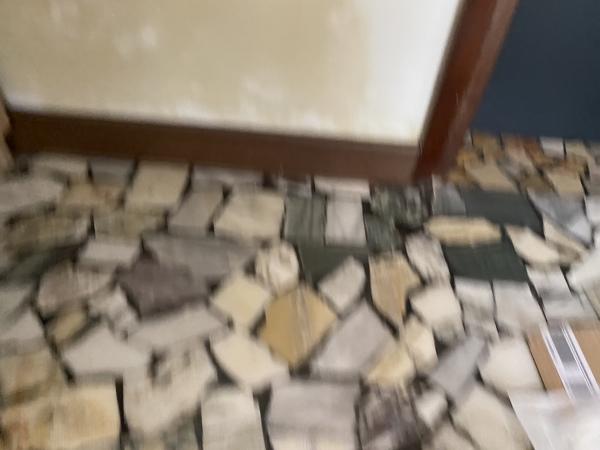 Come rimuovere le macchie gialle dai muri?