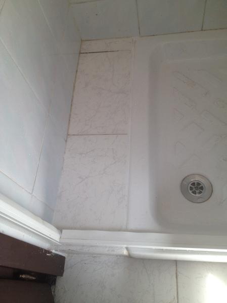 Ristagno acqua pavimento interno box doccia   habitissimo