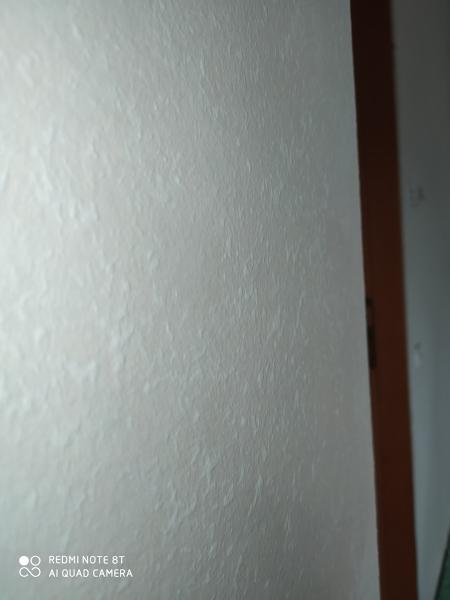 Come coprire pareti da effetto spugnato?