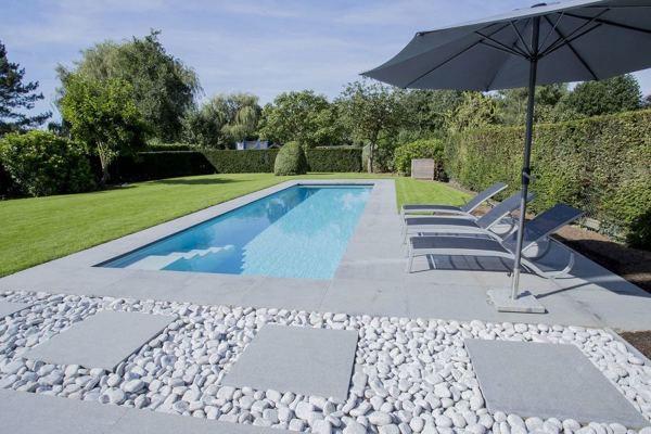 Quanto costa e quanto misura questa piscina?
