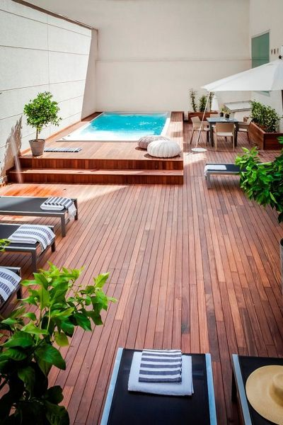 Quanto ingombra e qual è il prezzo della piscina?