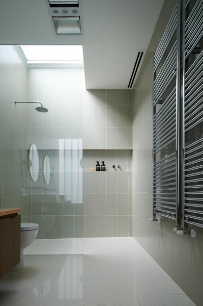 Piatto doccia in resina o piastrelle habitissimo - Resina per piastrelle ...