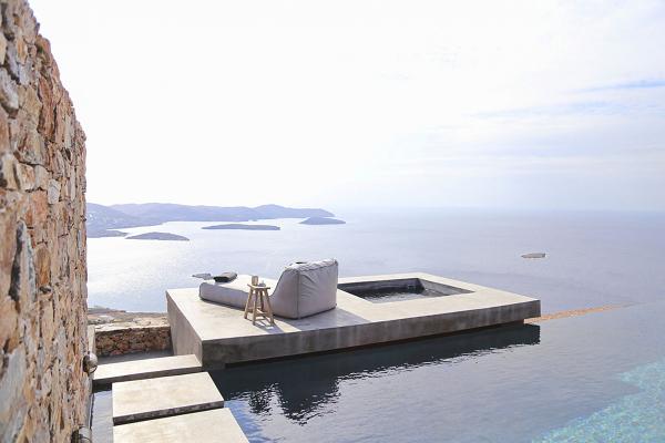 Quanto costa questa piscina a sfioro?