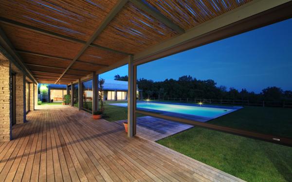 È possibile realizzare veranda con tende anti vento e pioggia?