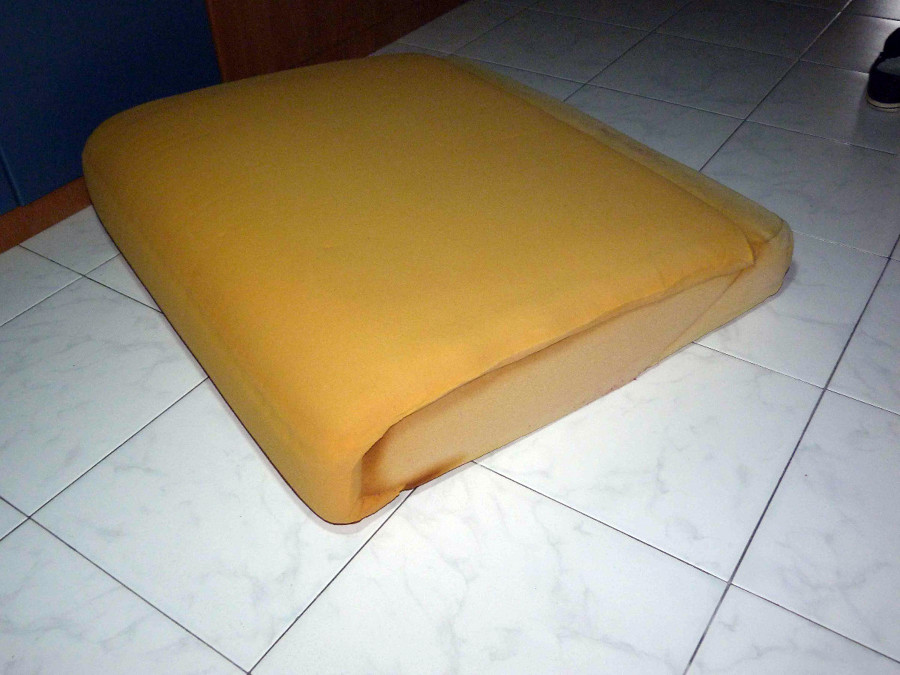 Rifacimento interno seduta cuscini divano castel d 39 ario mantova habitissimo - Cuscini seduta divano ...